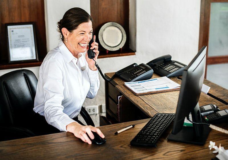 Secretária ou recepcionista? Entenda a diferença