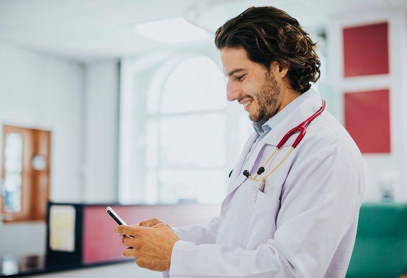Como manter a agenda médica organizada antes e depois de feriados?